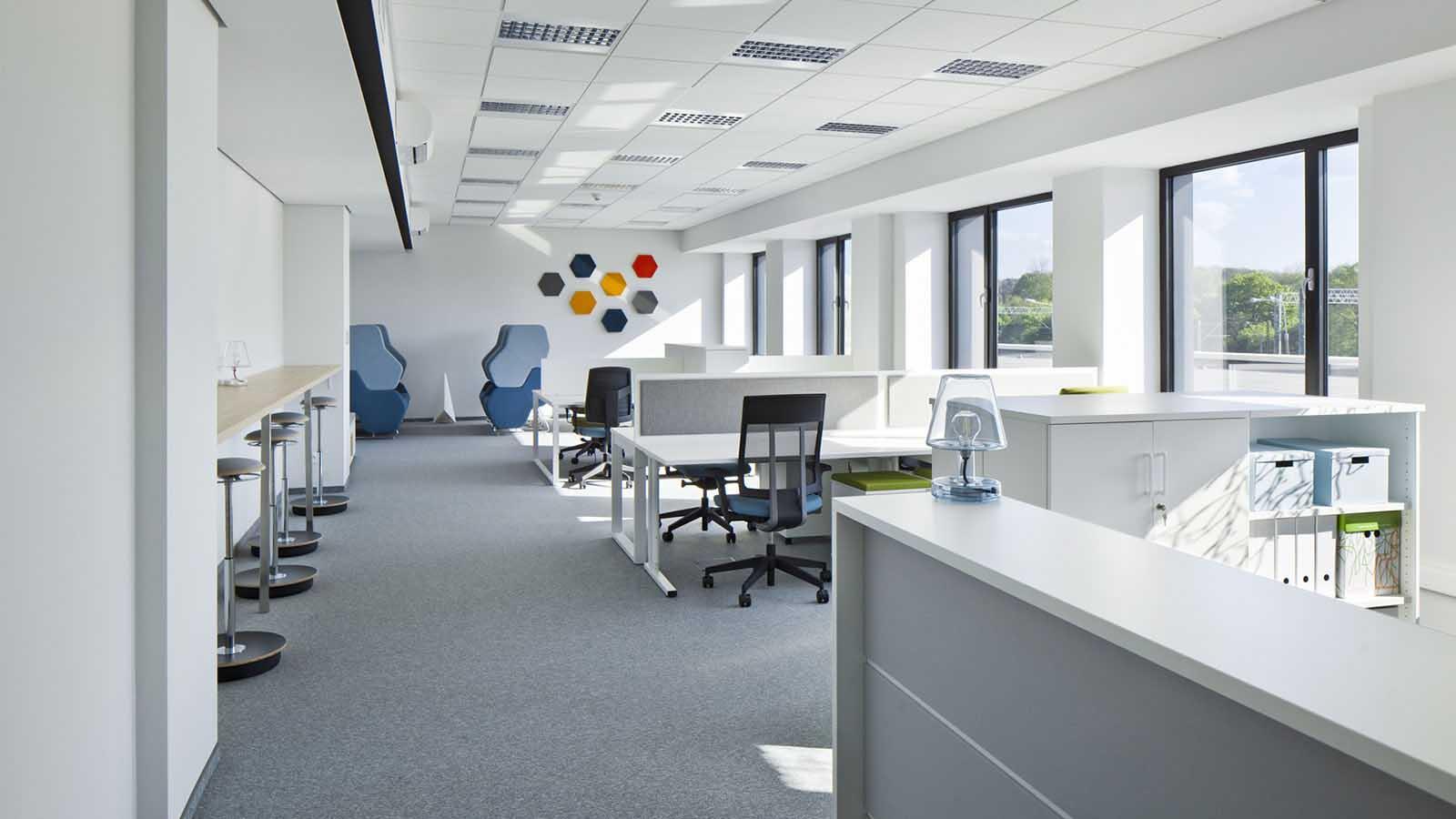 C200 Office (14)