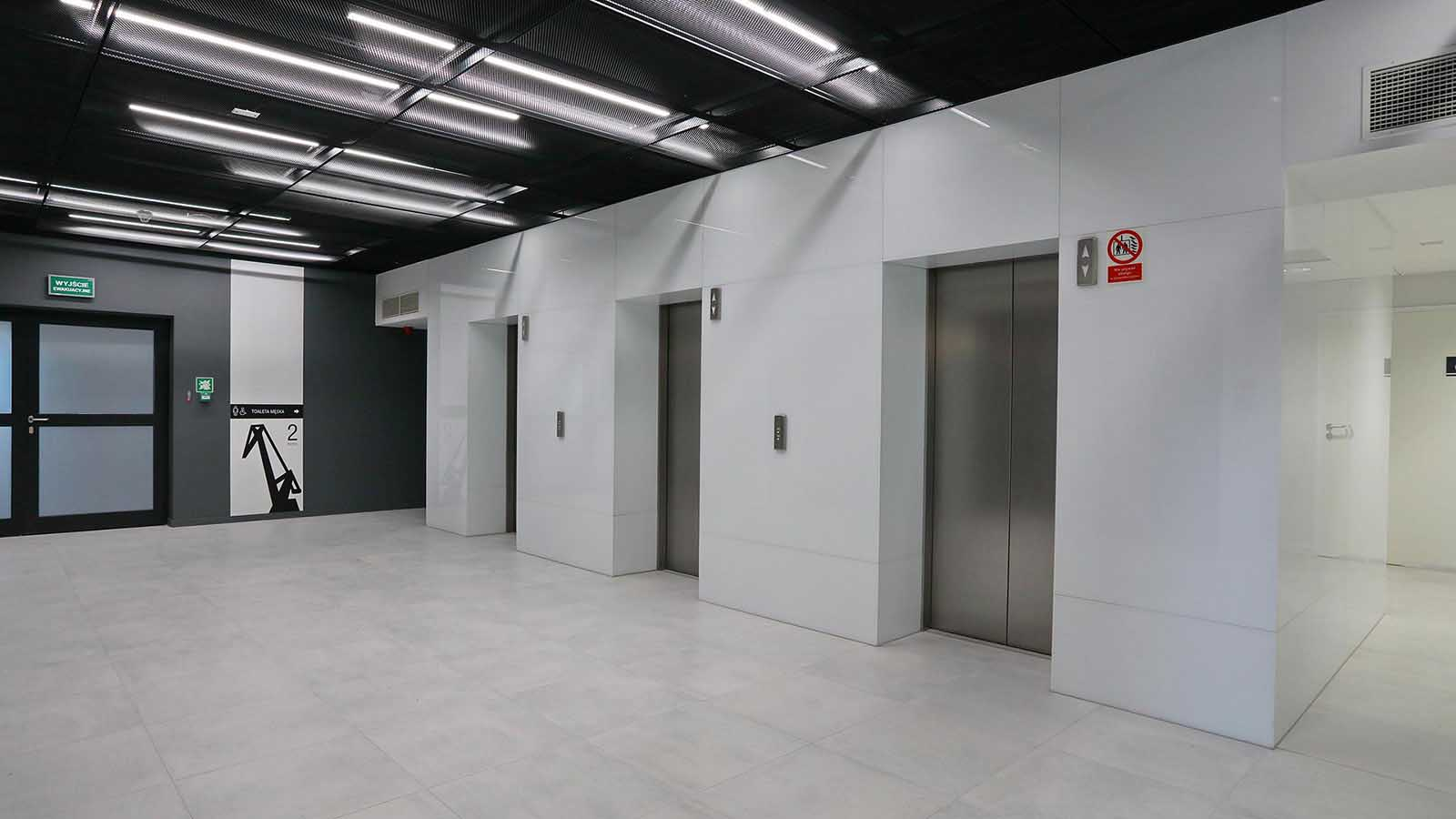 C200 Office (8)